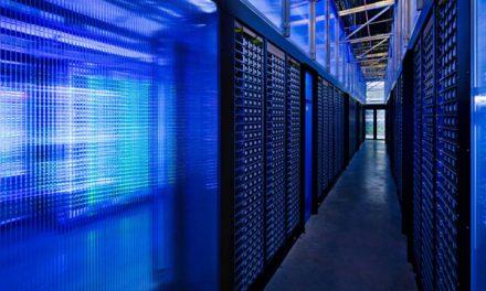 Facebook decide apostar al Hardware