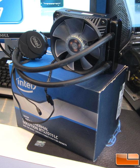 Refrigeración liquida RTS2011LC de Intel