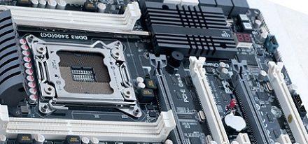 Imagenes de la tarjeta madre X79R-AX de ECS