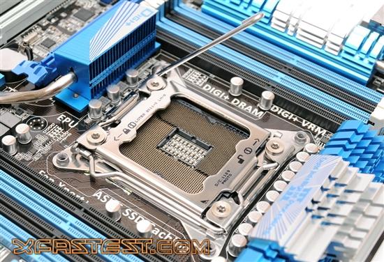 Tarjeta madre P9X79 Deluxe de Asus