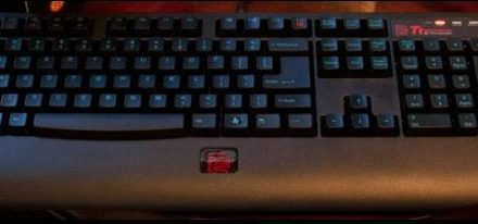 CES 2012: El teclado Knucker de Tt eSports