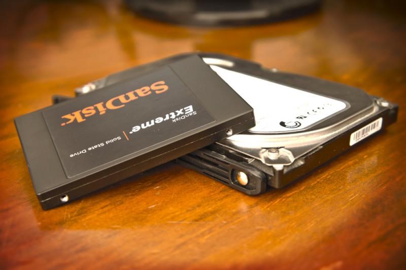 Los precios de los SSDs cayeron un 48% el último año