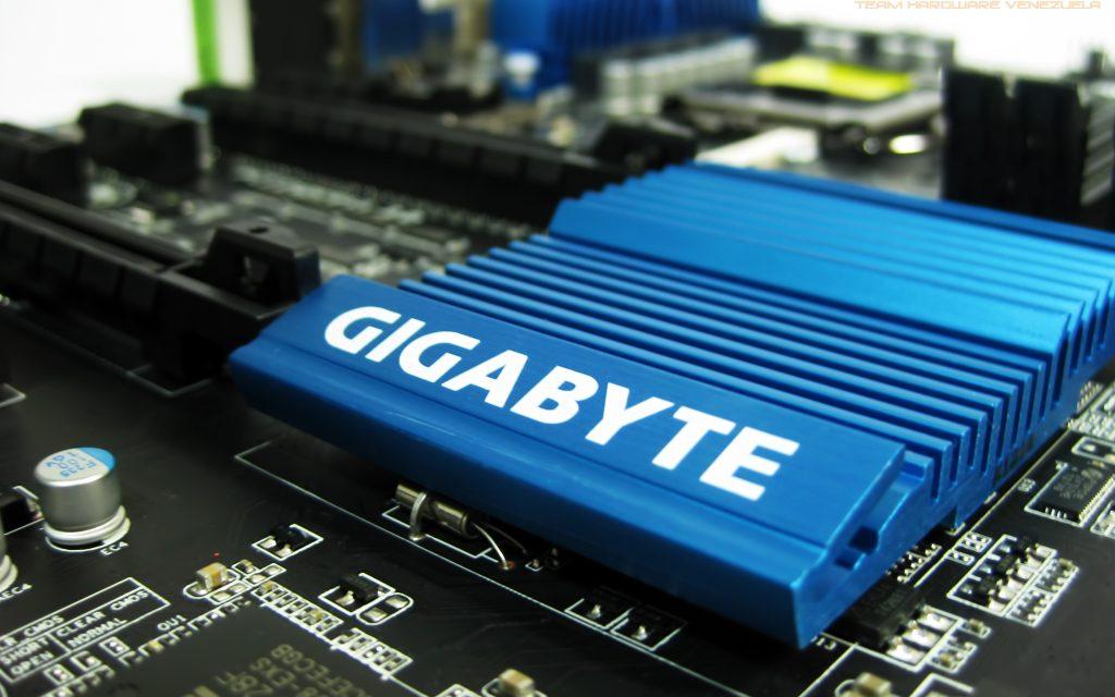 Review: Gigabyte Z77X-D3H