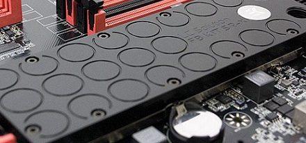 EK Water Blocks presentó su kit de bloques de refrigeración líquida para la Classified SR-X