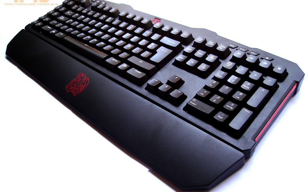 Review: Teclado Tt eSports Meka G unit