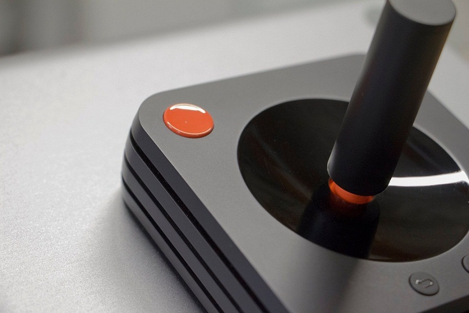 Ya puedes ver como sera el control del Ataribox